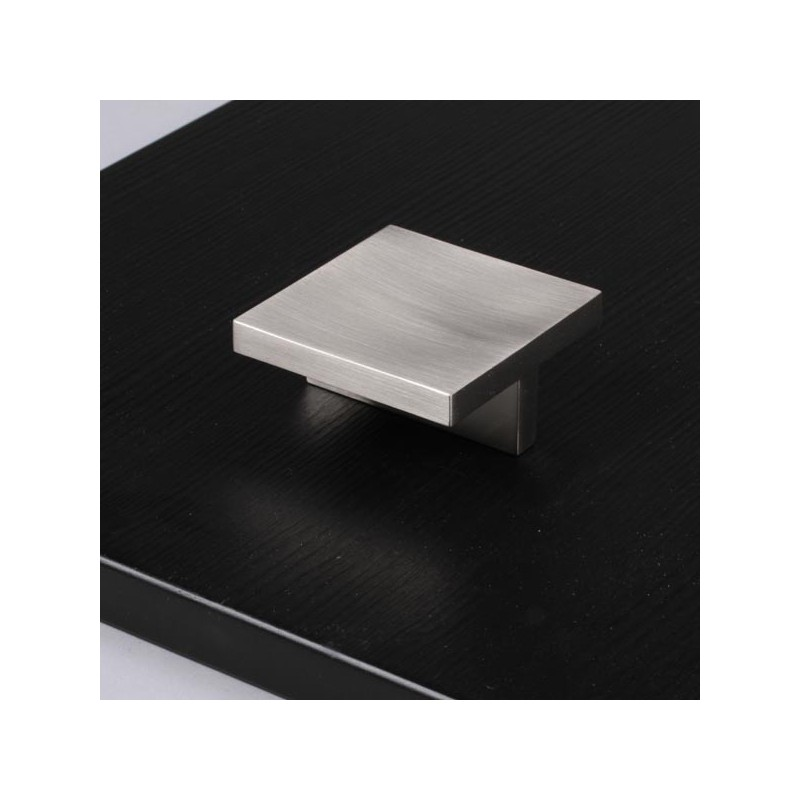 bouton de meuble look inox carr. Black Bedroom Furniture Sets. Home Design Ideas