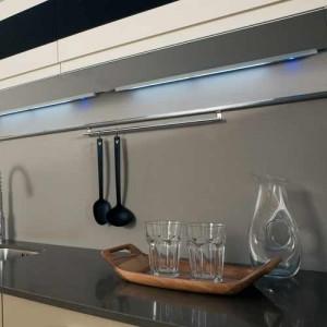 Réglette LED en applique 12V avec interrupteur BLINK
