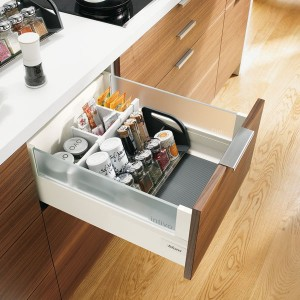 Rangement ustensiles cuisine tiroir plomberie pour la for Rangement ustensile cuisine